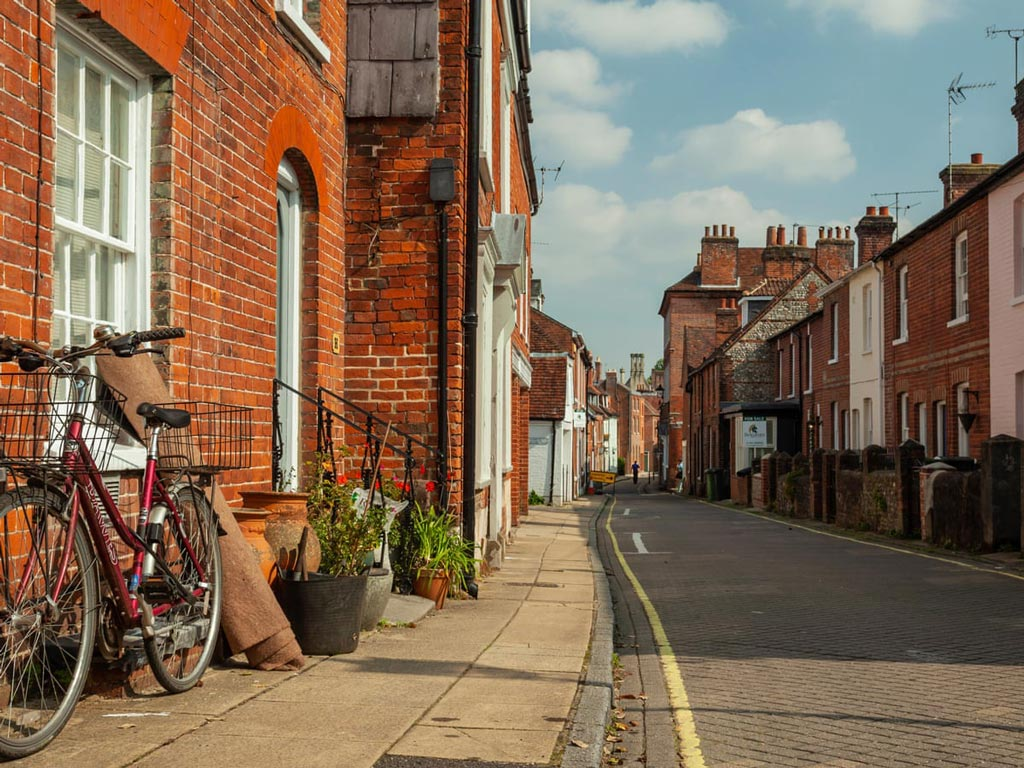House-hunting tips: Winchester Street View